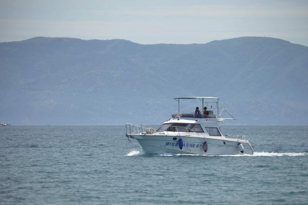 ボートチャータークルージング